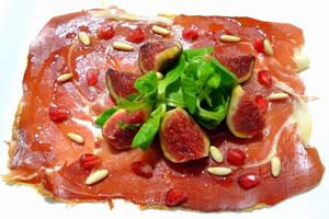 Carpaccio de jambon iberique avec salade de mâche